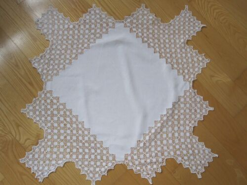 ANTIQUE HANDMADE WHITE LINEN DRAWN WORK TENERIFFE LACE CENTERPIECE DOILY TOPPER