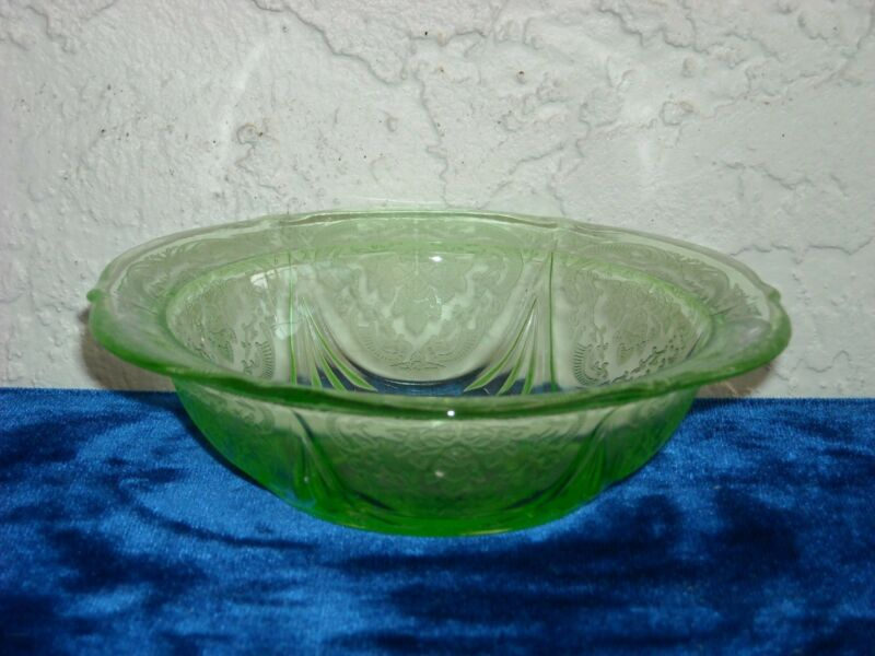 Royal Lace Berry Bowl  Green