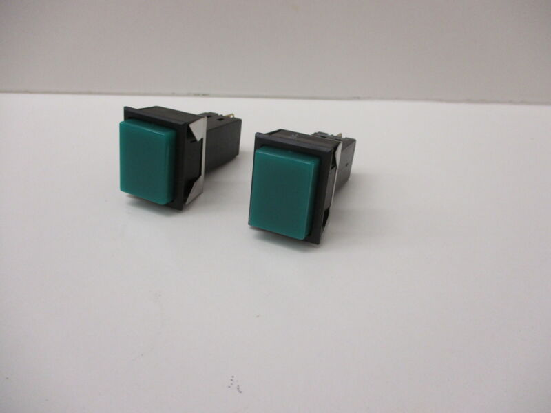 *NEW* (LOT OF 2) DIALIGHT 554-0001-511 INDICATOR GREEN SQUARE