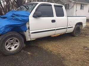 2002 GMC Sierra 2wd parts truck **Still available