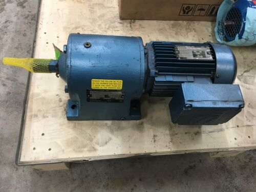 NEW NO BOX SEW-EURODRIVE GEAR MOTOR DFT80K4Z SPEED REDUCER R60DT80K4Z