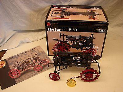 ERTL JOHN DEERE FARM TRACTOR 1/16 SCALE WITH BOX FARMALL F 20 PRECISION #3
