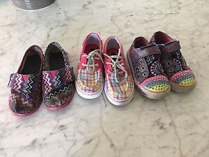 Size 9-10 girls shoes