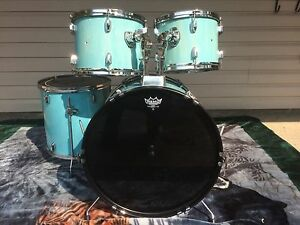 Fat boy 4 piece drumset