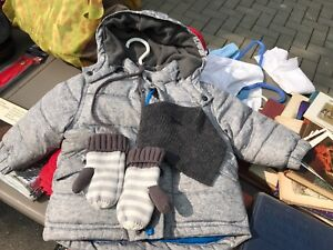 Baby Gap 12-18 month Primaloft jacket with neck gaiter and mitts