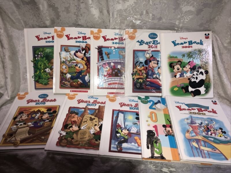 Disney Yearbook Lot Of 10 Mickey Mouse Minnie Donald Goofy 2000-2019