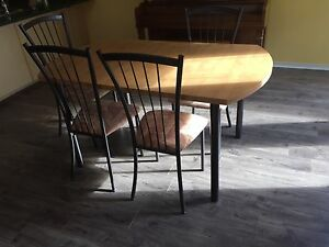 Dinner table sets with 4 chair