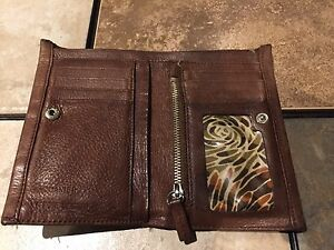 Women's Brown Leather Wallet For Sale