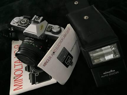 MINOLTA XG-9 (50mm) CAMERA and FLASH