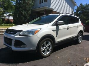 Ford ESCAPE 2014 excellent état !!!