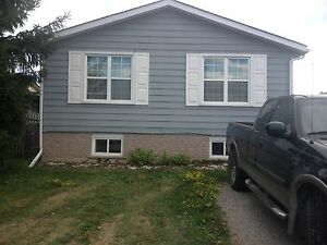 Student rooms for rent  Kawartha Lakes Peterborough Area image 1
