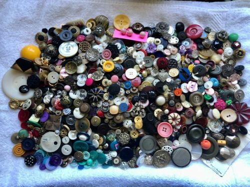 HUGE Lovely Lot of Antique Vintage & Modern Buttons All Kinds Great Selection #1