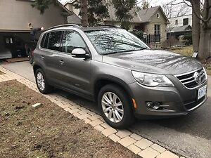 2011 VW Tiguan Highline - 4motion LowKm