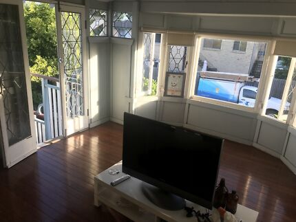 Room to rent in kangaroo point