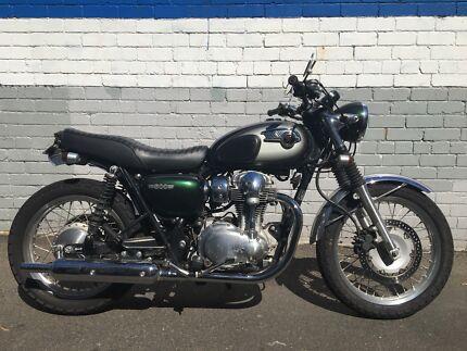 Kawasaki W800 Custom Motorcycle Cafe Racer Street Tracker