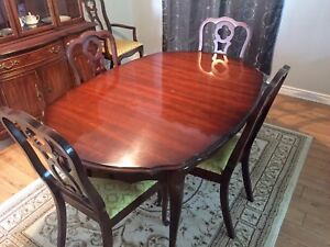 Knechtel Dining Set