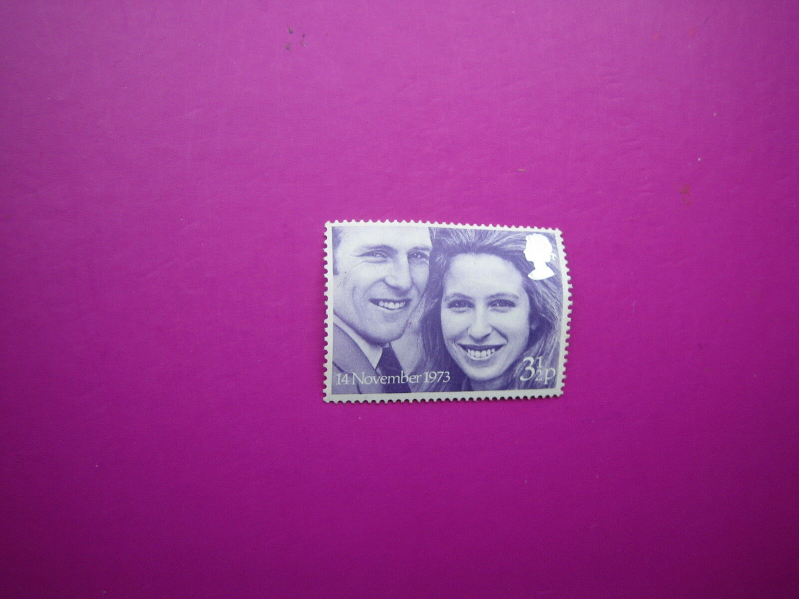 Princess Anne and Mark Phillips 3p Stamp {14 Nov 1973} Royal Wedding FREEPOST