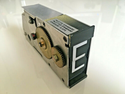 Solari Udine Split Flap Unit with Technical Manual Airport Train Station Display