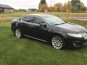Lincoln MKS fully fully loaded.  AWD