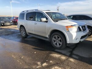Clean! Well maintained Nissan Armada Platinum AWD