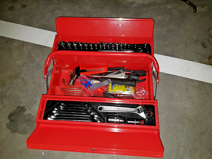 Toolbox with tool set
