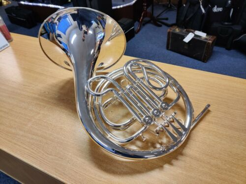 Amati AHR-321S French Horn in F 3 valve - Silver Plated (very good condition)