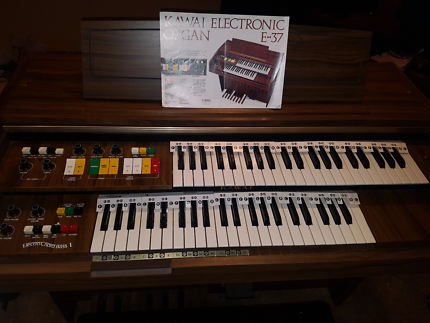 Kawai Electronic Organ E-37 with stool and playing guide