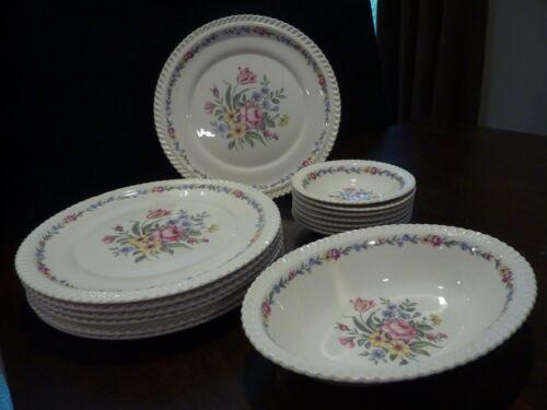 Harker Royal Gadroon Bouquet pattern dinnerware - 15 pieces
