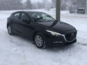 2018 Mazda 3 SPORT only 4000kms