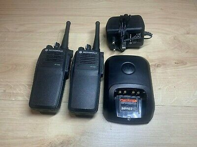 Motorola DP3400 UHF Two-Way Radios/Walkie Talkies w/Charger