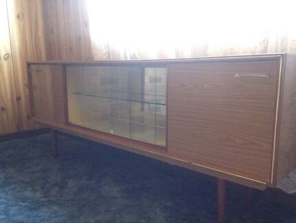 URGENT: Display cabinet Maitland Maitland Area Preview