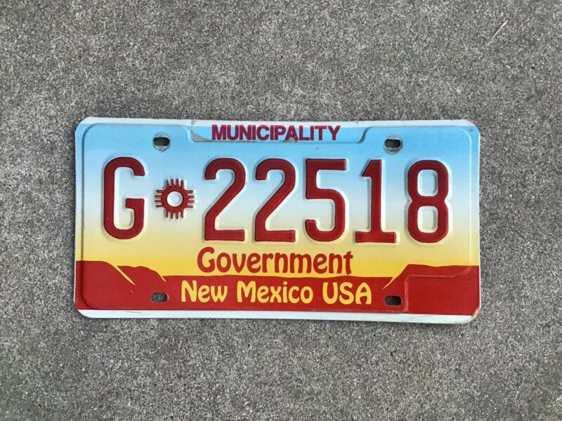 NEW MEXICO - MUNICIPAL - LICENSE PLATE - CITY / COUNTY VEHICLE