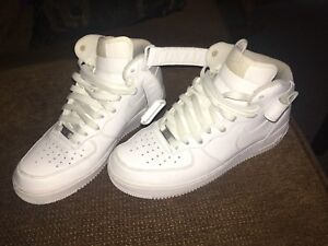 Air Force 1s, Size 9.5