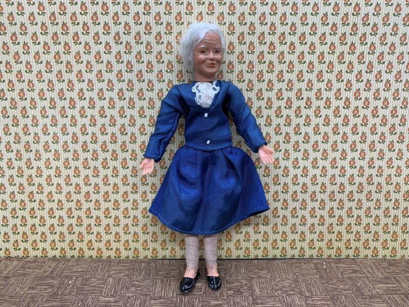 Dollhouse Caco Grandma Doll