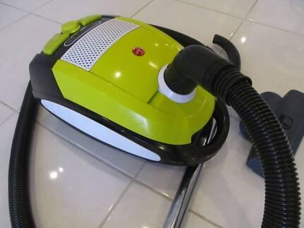 HOOVER VOGUE 2000 WATT BAGGED VACUUM CLEANER WITH TURBO FLOOR HEA