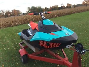2017 seadoo spark trixx 29 hrs reverse and ibr 90 hp 900cc 2up