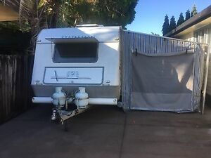 Caravan Windsor Statesman 20 f shower/ toilet Bargin must sell Trinity Park Cairns Area Preview