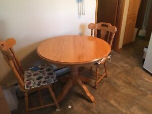 Kitchen table set 4chairs 2leaves
