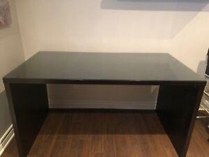 Desk / Bureau