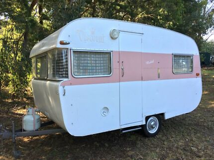 """Mabel"" Vintage Viscount Caravan"