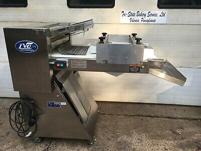 Lvo Sm24 Bakery Restaurant Kitchen Equipment Dough Sheeter Roller Bakery Moulder