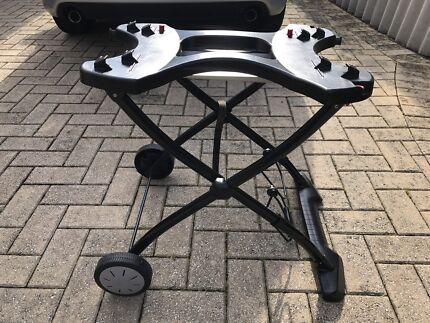 Weber Q1000 and Q2000 stand(cart)