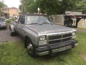 Dodge ram 350 cummins diesel