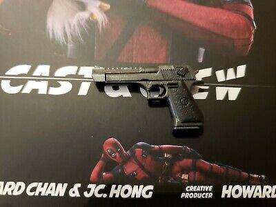 "Hot Toys Deadpool 2 1/6 12"" Figure MMS490: Desert Eagle .50 Cal Pistol ONLY"
