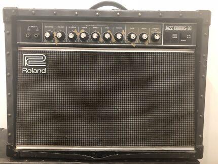 Roland JC-90 guitar amp