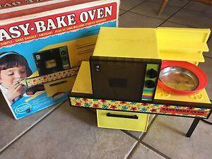Easy Bake Oven - Vintage