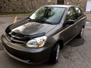 Toyota Echo 2005 TOUTE EQUIPE A/C, VITRES ELECTRIQUES...Propre