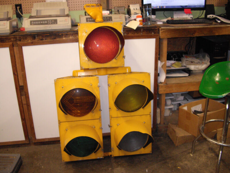 Standard Size Traffic Light with 5 sections (all metal and LED Lights)