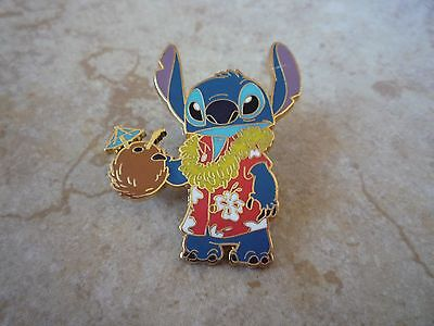Pin Trading Disney Pins Stitch Hawaiian Shirt Drinking from Coconut Lei