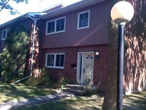 121 University Ave, near UW and ULW, for group of 5